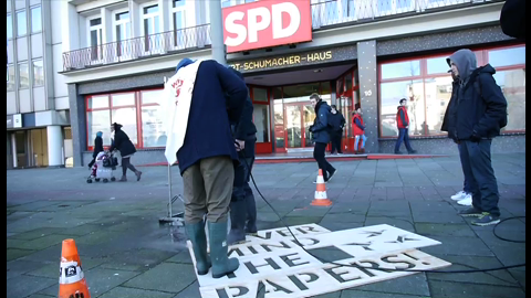 Mobi-Aktion: Recht auf Stadt - NEVER MIND THE PAPERS